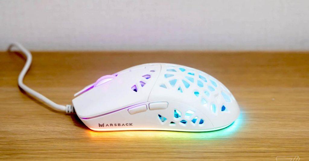 Mysz gamingowa Zephyr Pro wyposażona w wentylator jest znacznie chłodniejsza niż oryginał