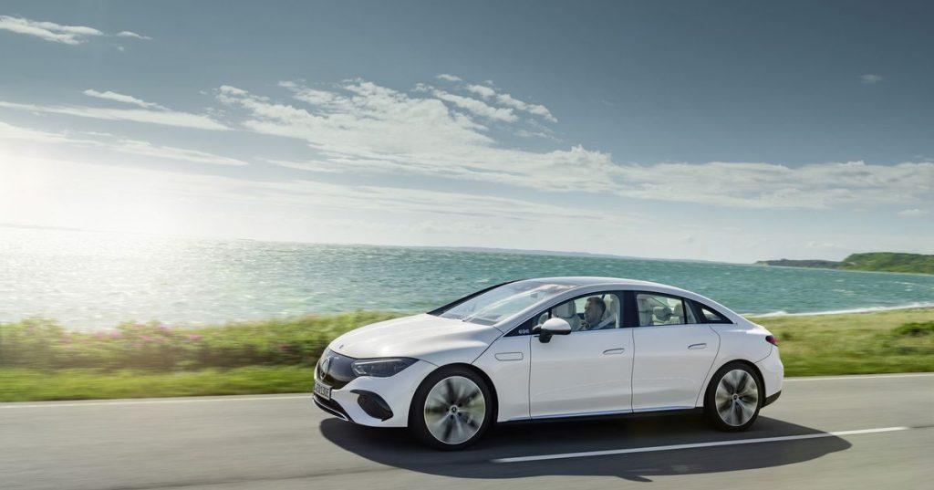 Mercedes-Benz EQE to bardziej przystępny luksusowy samochód elektryczny