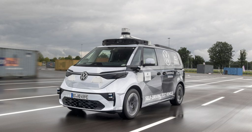 VW ożywia swój kultowy mikrobus jako elektryczną robotaxi